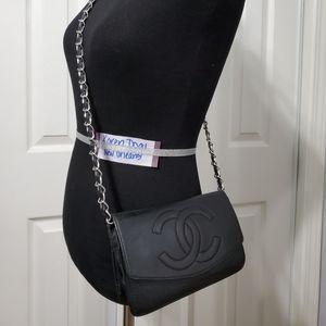 Chanel vintage caviar leather woc wallet